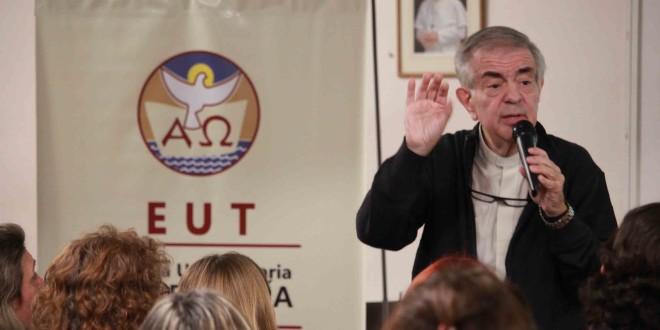 El padre Alejandro Puiggari brindó las «claves del papa Francisco para una catequesis en salida»