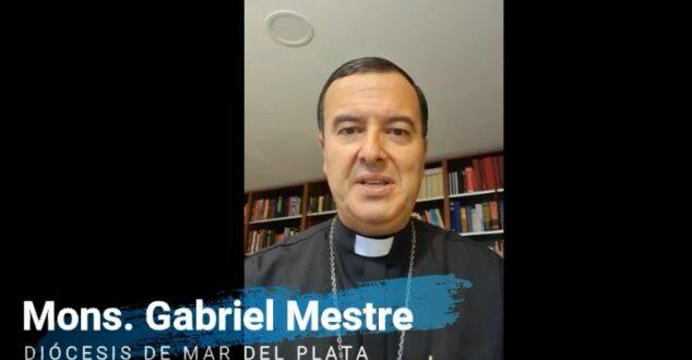 Mons. Mestre anima a la formación docente